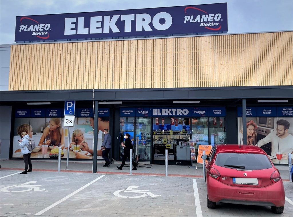 Rockaway Capital, PPF, and EC Investments are buying the FAST Group, aleading consumer electronics vendor